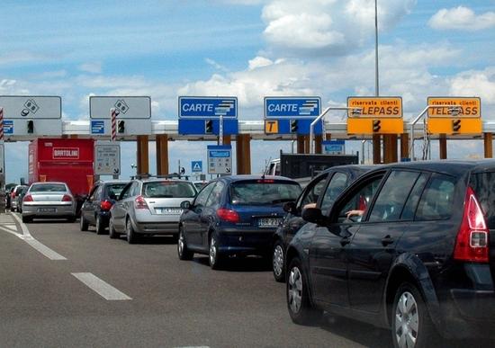 Ponte del 2 giugno: code in autostrada