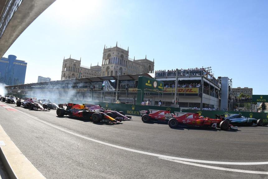 Formula 1 - Pagina 14 F1-2017-azerbaijan-dom-21