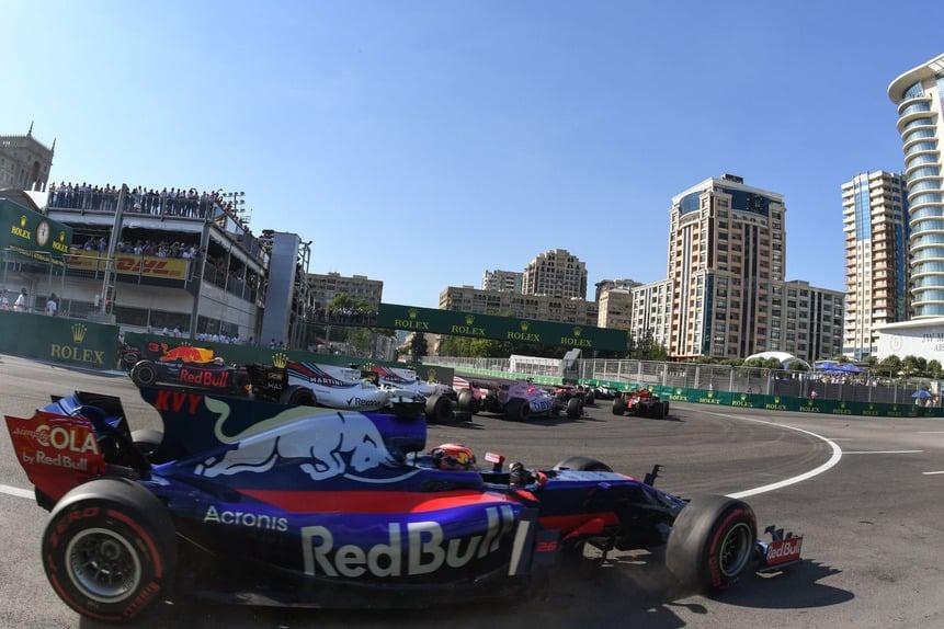 Formula 1 - Pagina 14 F1-2017-azerbaijan-dom-22