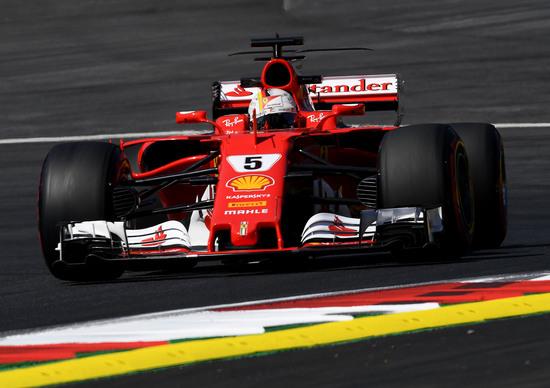 GP Austria, Hamilton il più veloce il venerdì davanti a Vettel