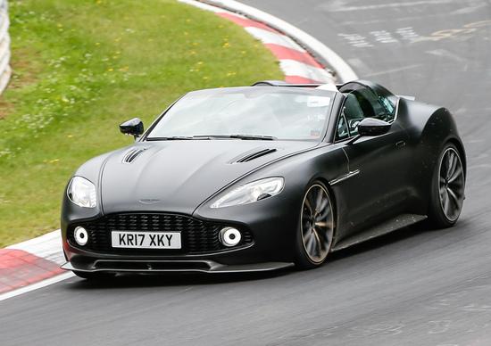 Aston Martin Vanquish Zagato Speedster, test al ring per la cabrio