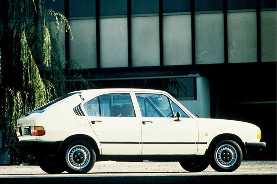 Alfa romeo alfasud 1 5 3 porte ti quadrifoglio verde 11 1982 09 1984 prezzo e scheda - Alfa romeo giulietta 3 portes ...