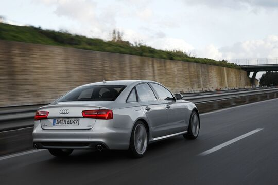 Audi A6 (3)