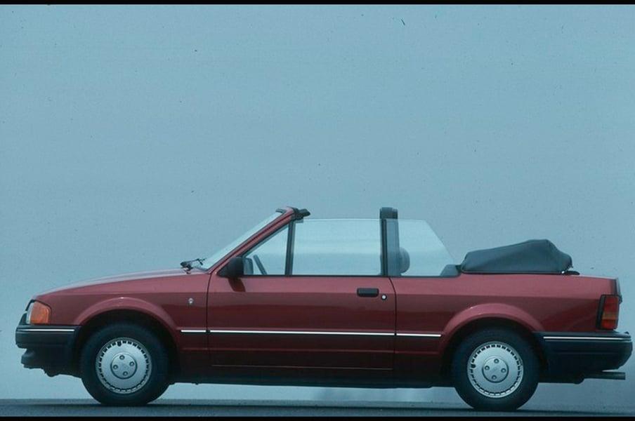 ford escort cabrio 1 6 xr3i cabriolet 10 1989 09 1990 prezzo e scheda tecnica. Black Bedroom Furniture Sets. Home Design Ideas