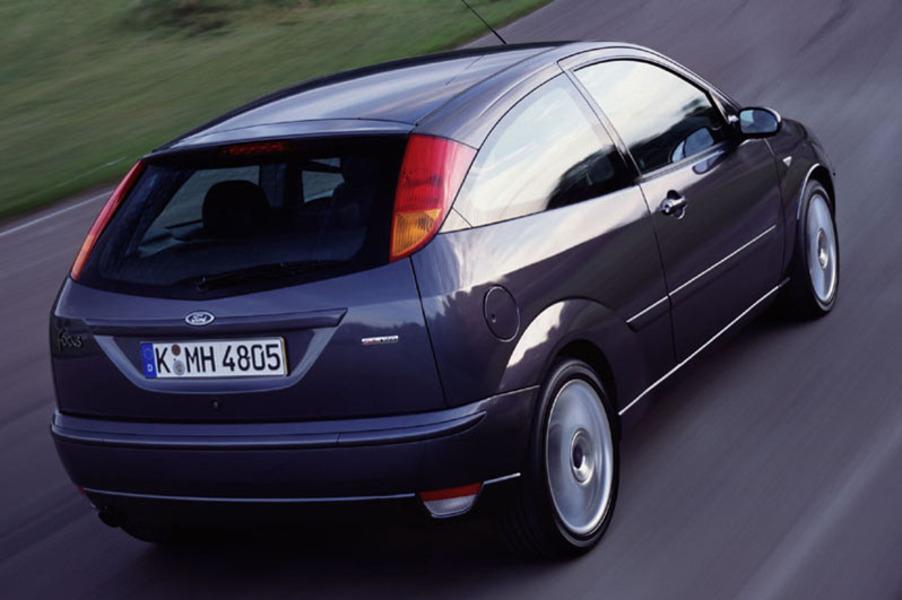 Ford Focus 1.8 TDDi cat 5p. Ambiente (4)