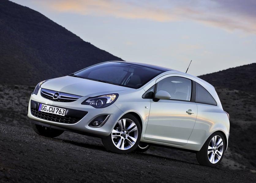 Opel Corsa 1.6 T 192CV 3 porte OPC (3)