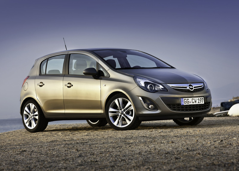 Opel Corsa 1.4 16V 5 porte Sport (4)