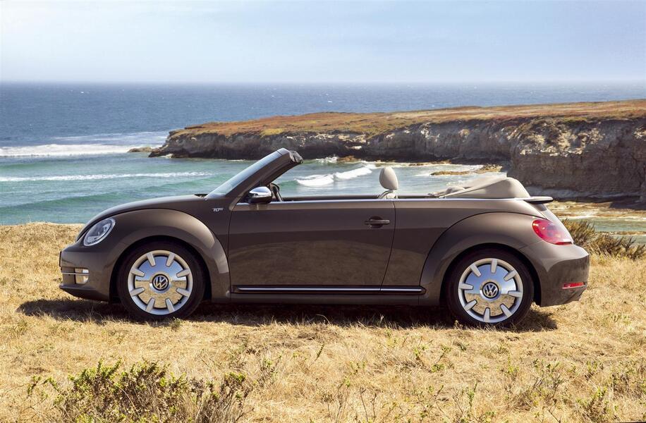 listino volkswagen maggiolino cabrio 2012 usate. Black Bedroom Furniture Sets. Home Design Ideas