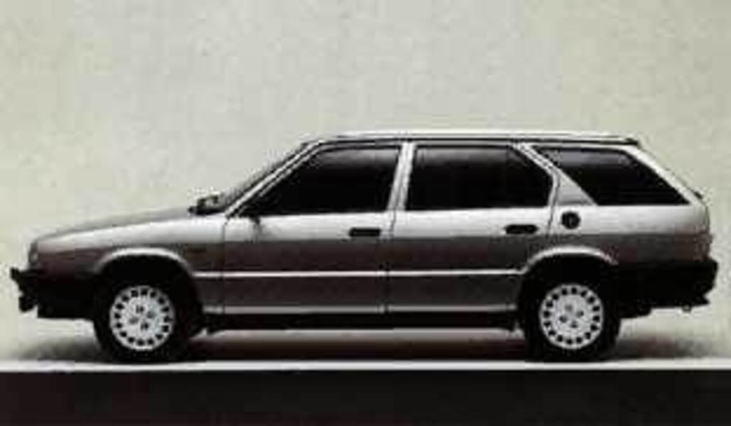 alfa romeo 33 sportwagon 1 5 giardinetta 4x4 06 1987 12 1988 prezzo e scheda tecnica. Black Bedroom Furniture Sets. Home Design Ideas