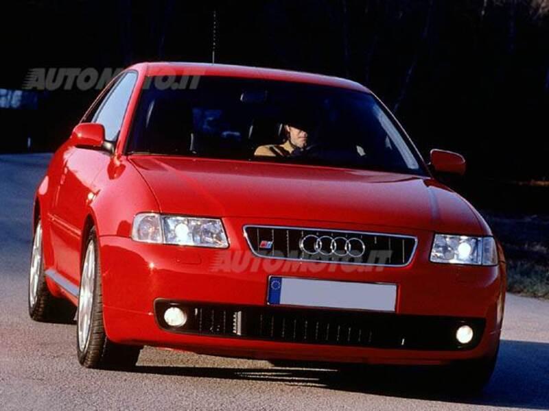Audi s3 1 8 turbo cat quattro 05 1999 01 2000 prezzo for Interieur audi s3 2000