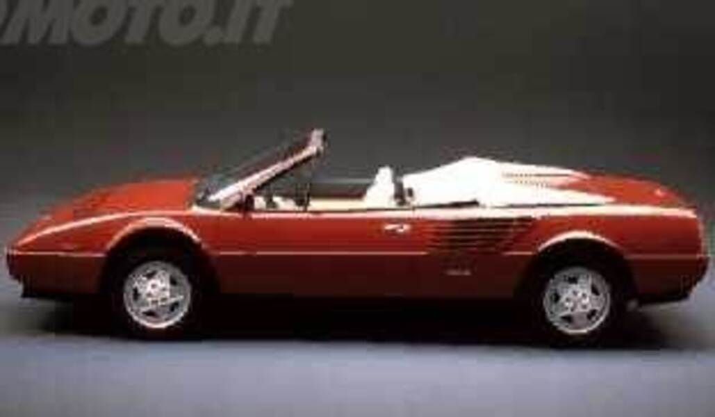 ferrari mondial spider 3 2 cabriolet 10 1985 03 1988 prezzo e scheda tecnica. Black Bedroom Furniture Sets. Home Design Ideas