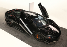 McLaren 675LT JvcKenwood: addio al cruscotto
