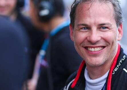 Formula 1, Villeneuve: «Smettere con le corse? Non se ne parla»