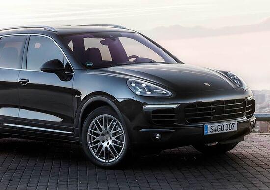 VW e Porsche: quasi 1 mln di richiami tra Cayenne, Passat e Touareg