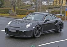 Porsche 911 GT3 RS 4.2: fa paura, anche nello spy
