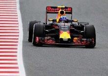 Formula 1, test Barcellona: volano Verstappen e la Red Bull