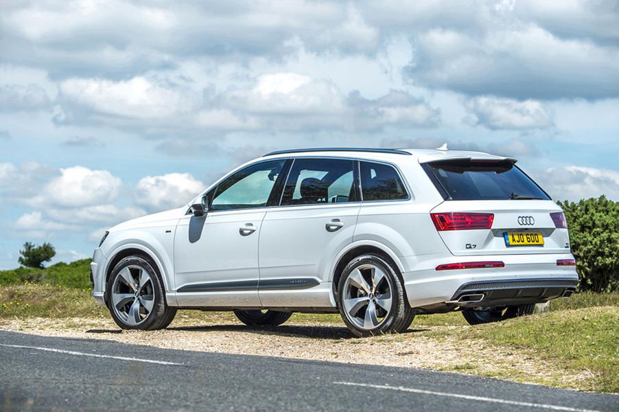 Audi Q7 (3)