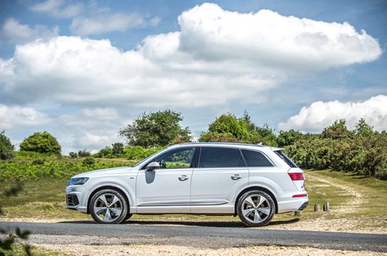 Audi Q7 (2)