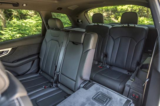 Audi Q7 (5)