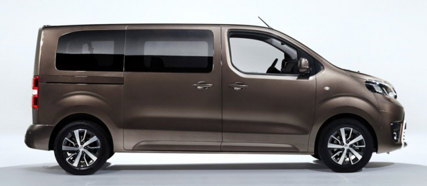 listino toyota proace 2014 usate. Black Bedroom Furniture Sets. Home Design Ideas