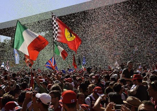 Gp di F1, Ecclestone bastona Monza e apre una porticina a Imola