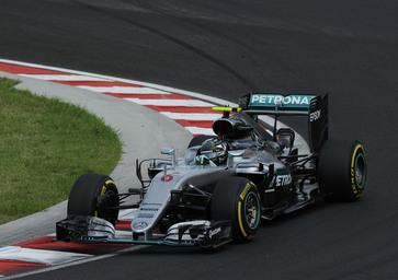 F1, Gp Ungheria 2016: pole per Rosberg