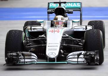 F1, Gp Ungheria 2016: vince Hamilton, nuovo leader del mondiale