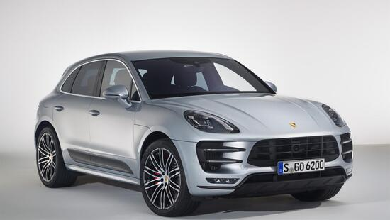 Porsche Macan Turbo, con il nuovo Performance Package