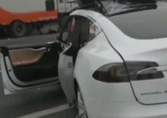 Tesla: emerge un altro incidente mortale in Cina