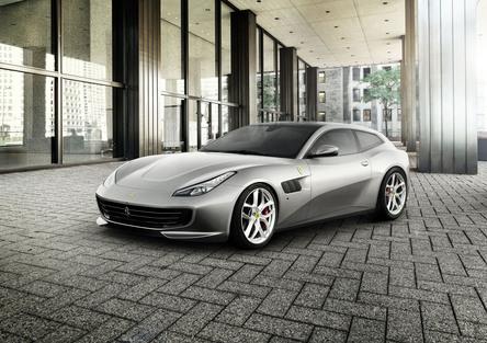 Ferrari GTC4Lusso T al Salone di Parigi 2016