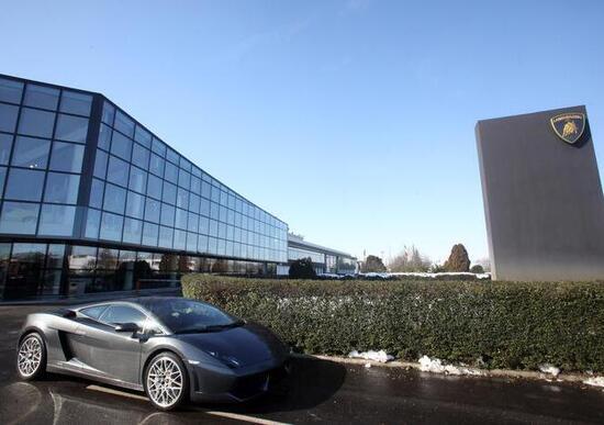 Lamborghini, Renzi in visita allo stabilimento di Sant'Agata Bolognese