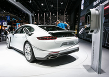 Porsche al Salone di Parigi 2016 [Video]