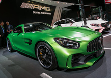 Mercedes AMG GT R: eccola al Salone di Parigi 2016 [Video]