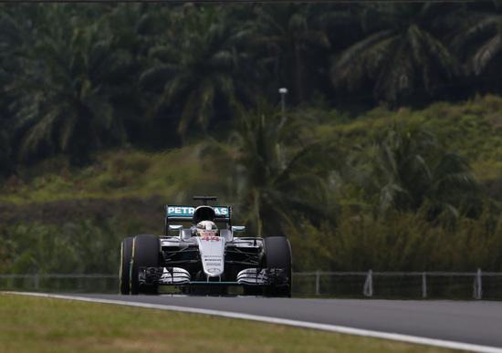 F1, Gp Malesia 2016: la cronaca della gara in diretta