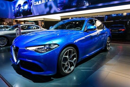 Alfa Romeo Giulia Veloce Vs Audi S4 Il Confronto Al