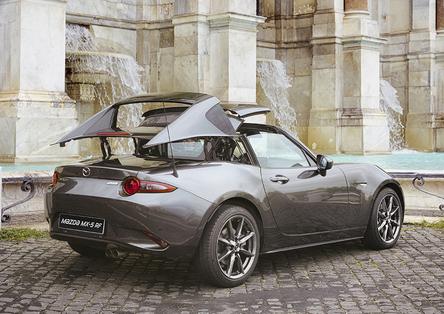"""Mazda MX-5 RF, la targa """"per tutti"""". Ecco come funziona il tetto [Video]"""