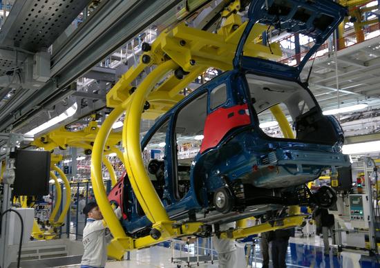 Caso Fiat. Squinzi: «L'Italia non può non avere l'industria auto»