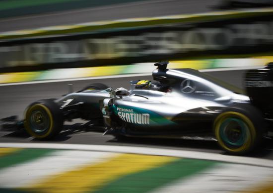 F1, Gp Brasile 2016, FP2: Hamilton al top