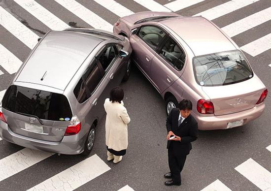 Incidente con veicolo senza assicurazione, ecco cosa fare
