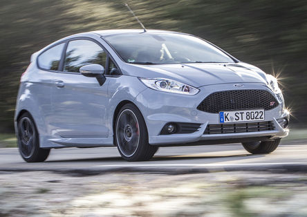 Ford Fiesta ST200 [Video Primo Test]