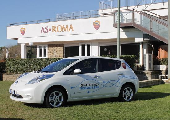 Nissan e AS Roma insieme per la mobilità sostenibile