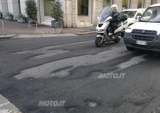 Buche in strada cosa fare se subisci un danno e come - Art 79 codice della strada pneumatici diversi ...
