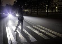 Mercedes, nuovi fari Digital Light: più visibilità e sicurezza [Video]