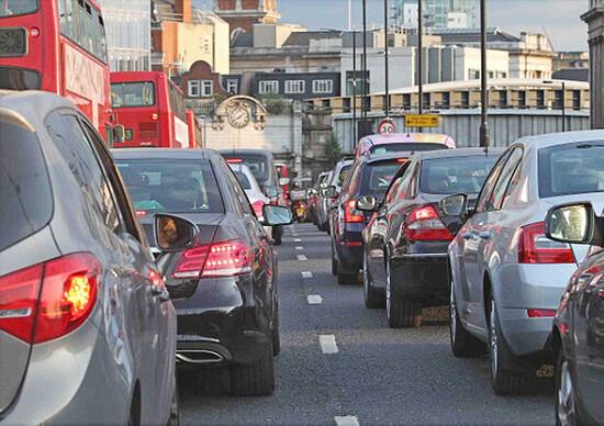 Parigi, Città del Messico, Madrid e Atene verso il bando dei motori Diesel