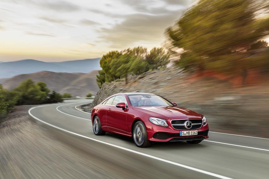 Mercedes E Coupé, la gran turismo che guida (quasi) da sola