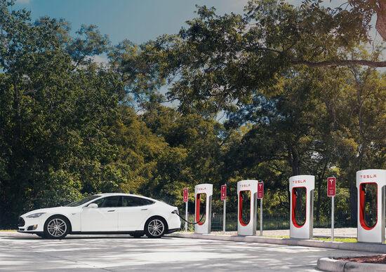 Tesla, in arrivo Supercharger ultra veloci?