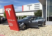 La Tesla Model S e l'incidente più veloce del mondo
