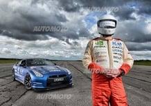 Nissan GT-R: record di velocità a 323 km/h. Ma il pilota è cieco