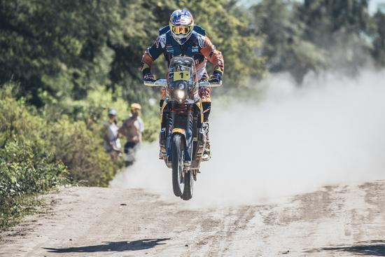 Dakar, Sunderland trionfa nelle moto: è tripletta Ktm