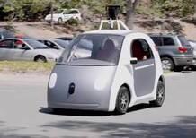Guida autonoma, la California frena: servirà la patente